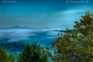 An early morning view along the Blue Ridge Parkway, NC.