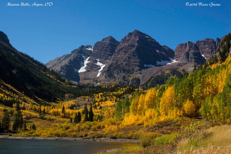 Maroon Bells att he peak of fall colors